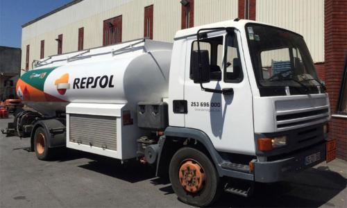 Viatura de distribuição de gasóleos aditivados Repsol
